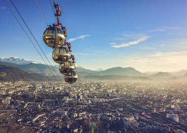 Vue sur Grenoble depuis le téléphérique de la Bastille