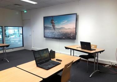 Ecran salle de réunion Meije